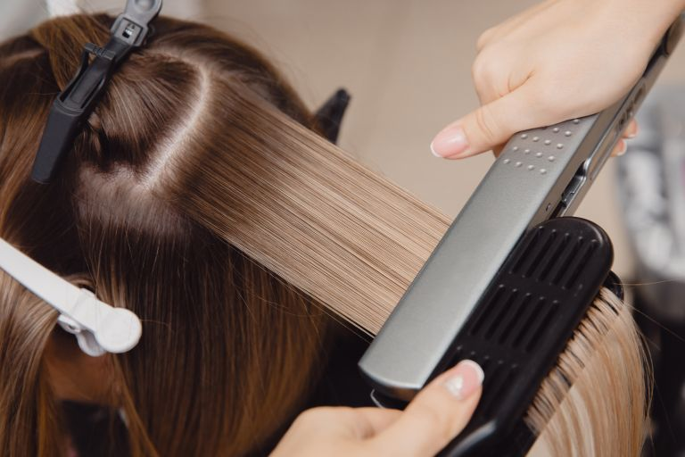 4 Types of Chemical Hair Straightening Techniques