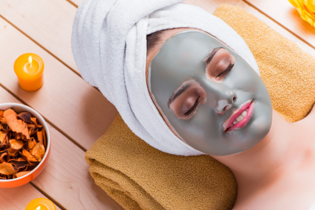 8 Magical Steps Involves in a Facial Treatment